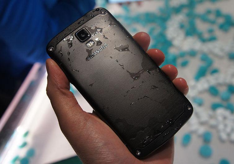 recuperare messaggi whatsapp da cellulare android bagnato